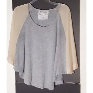 Upson Downs Batwing Blouse Gray/ Beige Size S